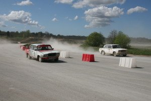 Try the adrenaline of rally racing on the largest double cross race track of the Baltics.