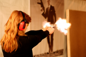 Feel like you are in the movies and experience the thrill of handling and firing the most popular guns: pistol, revolver, assault rifle and shotgun.