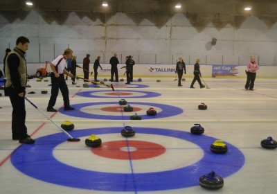 Curling playing